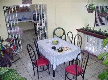 www.cubacasas.net > Camaguey > Hostal Mayra y Gaspar