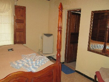 SERGIO y LESLY | particuba.net  Casilda - Trinidad