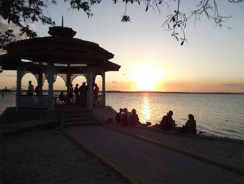 LOS DELFINES | www.particuba.net | Cienfuegos | Punta Gorda