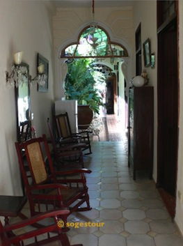particuba •|• Habana Vieja • LUIS BATISTA BETANCOURT  © sogestour