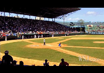 beisbol or pelota is still played the old-fashioned way
