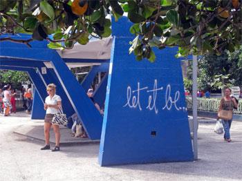 let it be •|• Linda cocotaxista © sogestour