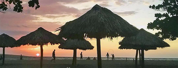 Sunset on the local Playita