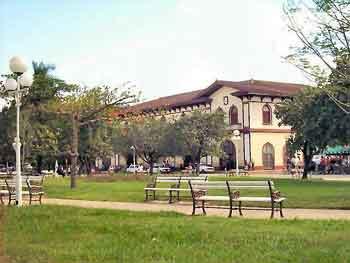 Parque y estacion de tren