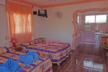 CASA FRANK • cubacasas.net •|• Zapata • Playa Larga • Caleton
