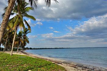 The beach in Caleton  © sogestour