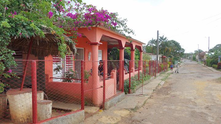 SOL y MAR ] particuba.net | Puerto Esperanza