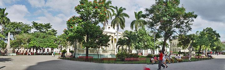 Parque Vidal © eyanex, panoramio.com •]• Que Sean como el Che © sogestour - CLICK TO ENLARGE