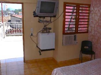 GUILLERMO y JUANA  ::: www.particuba.net •|•Santiago de Cuba