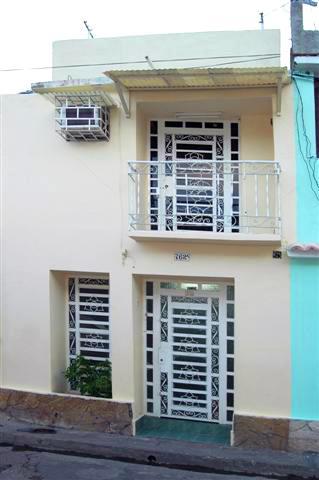 CASA SANDRA ::: www.cubacasas.net •|• Santiago de Cuba