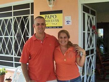 PAPO y NIULVYS | cubacasas.net |Viñales