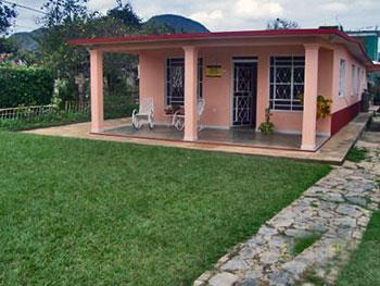Vi ales pinar del rio cuba guide casas for Fachadas de casas con terraza